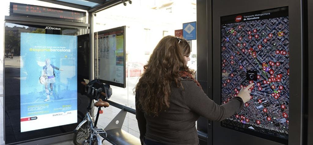 Barcelona digital bus stop